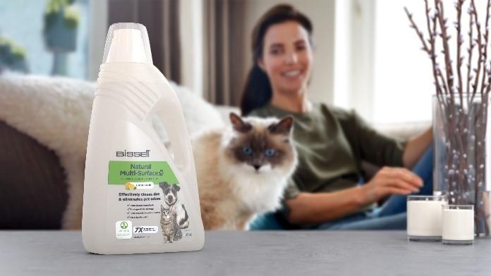 Beste Reinigungsleistung mit 100 % natürlichen Inhaltsstoffen – Die neue BISSELL Natural Multi Surface Cleaning Solution